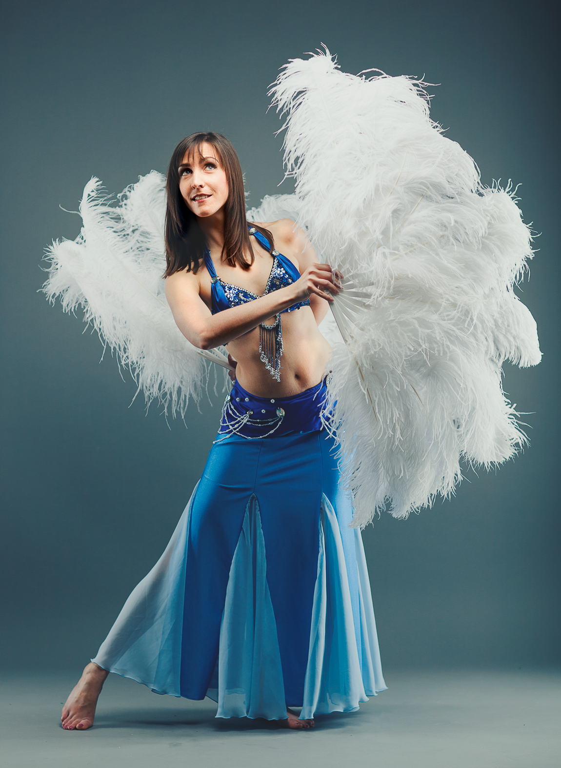 belly dance, feather fans, najma dance group